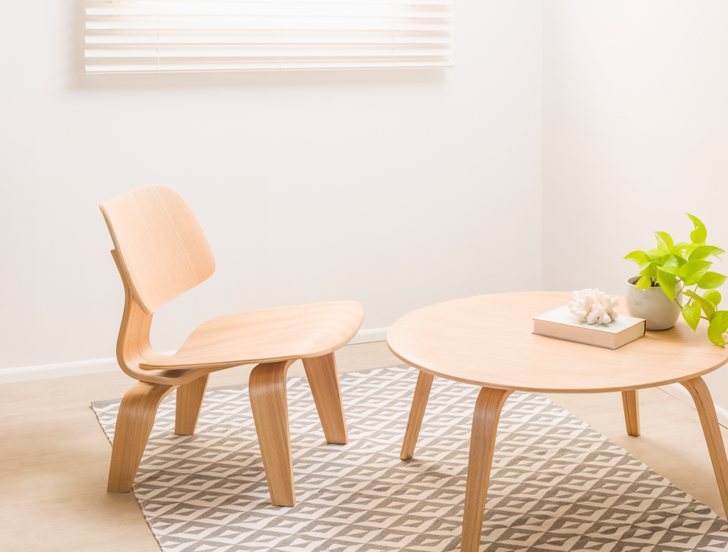 basse table and chair