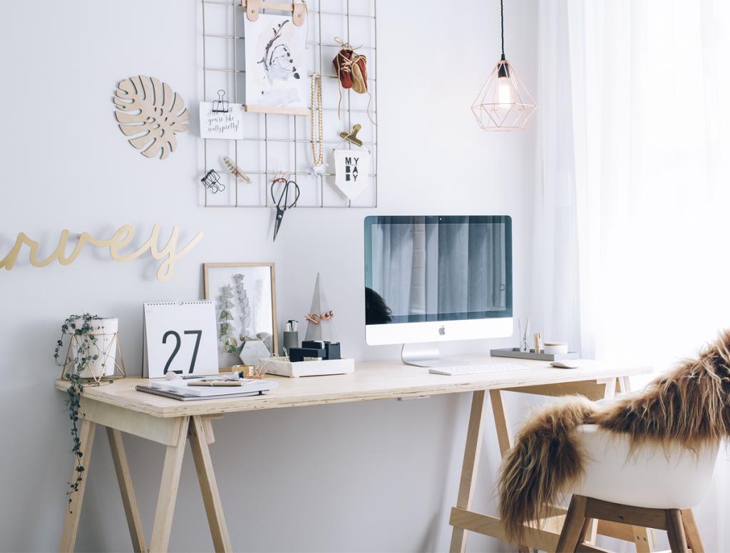 the trestle desk creative